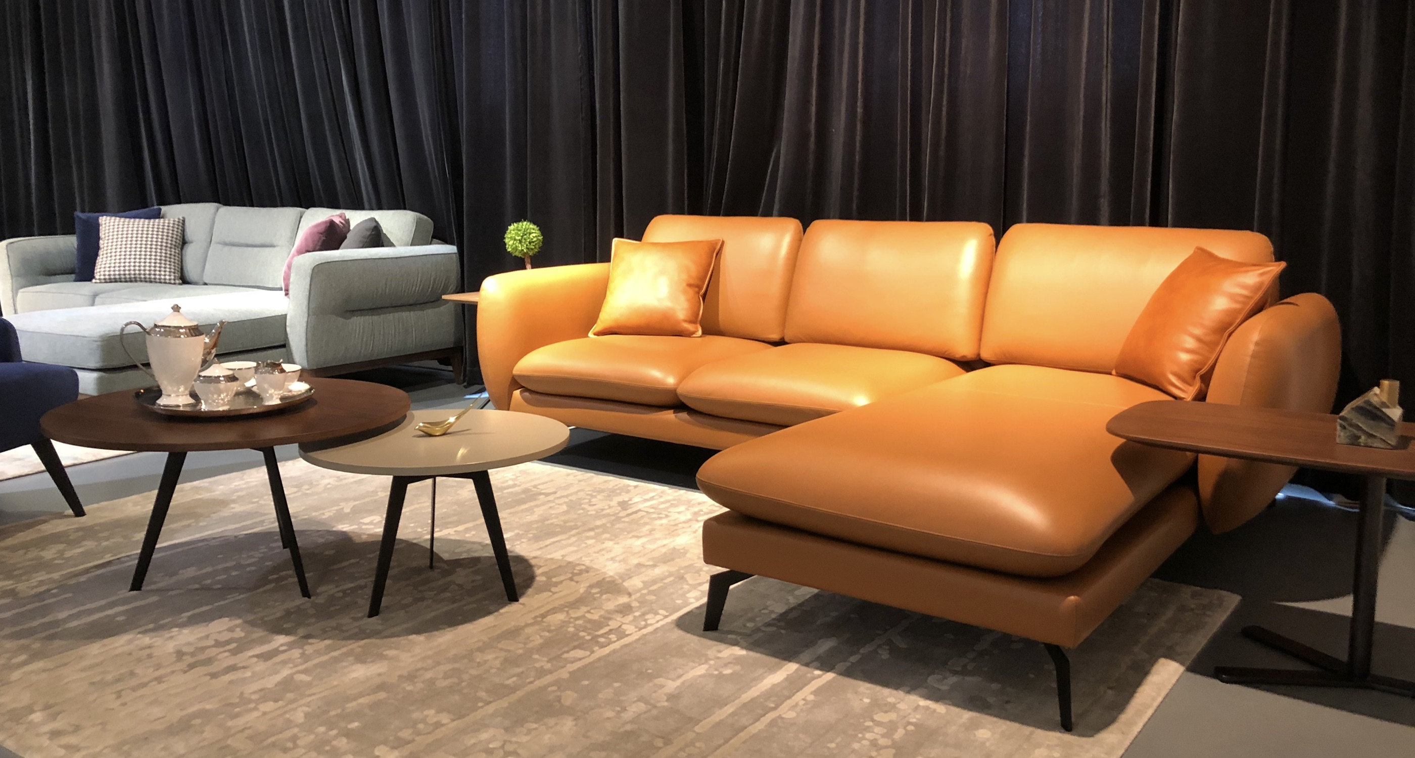 Paloma Sectional Close Up Caramel